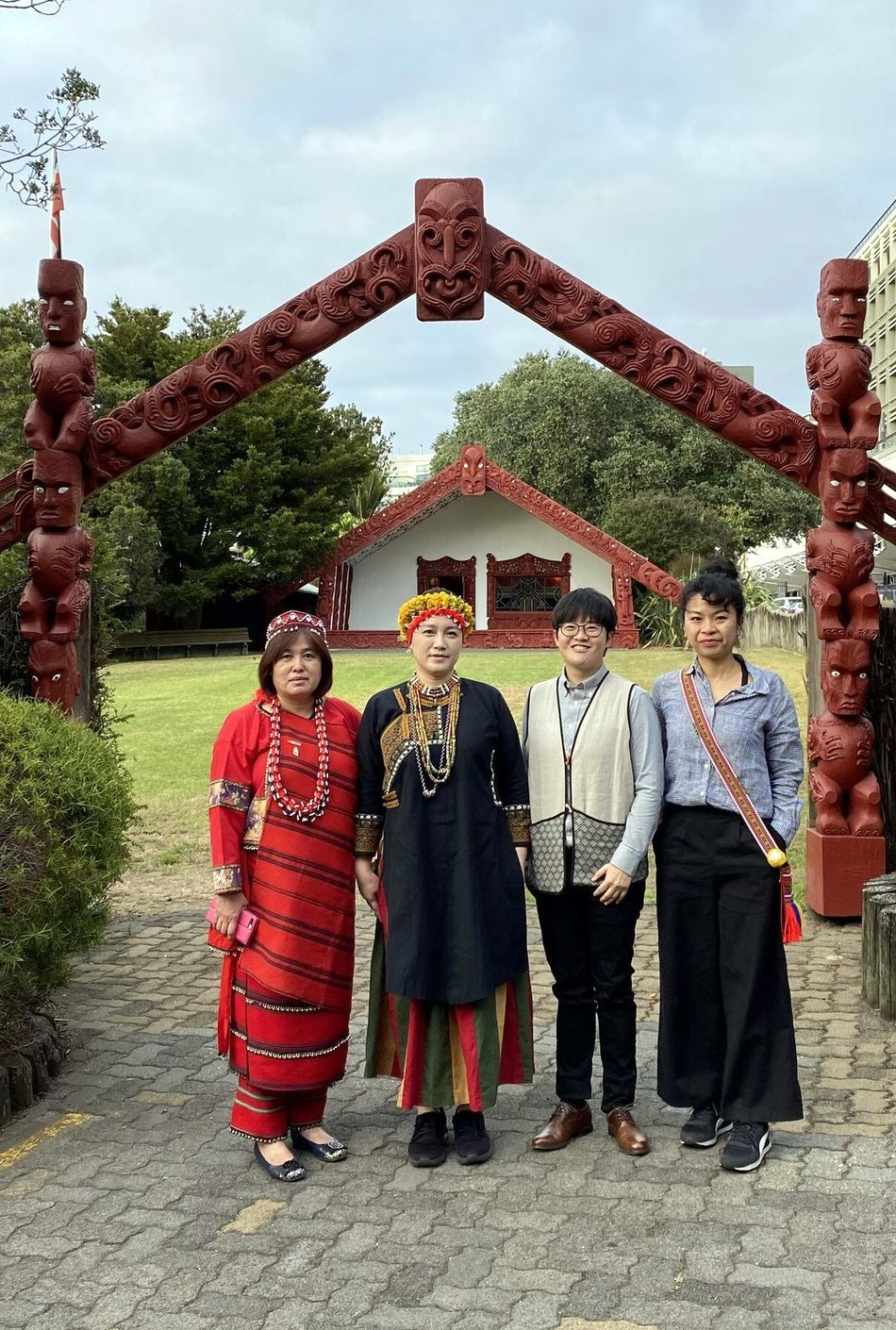 Group photo was taken at the University of Auckland's Waipapa Marae.(Photo from left to right Ciwas Bawan, Pisuy Bawnay, Ciwang Teyra, and Yi-Jen Tu)