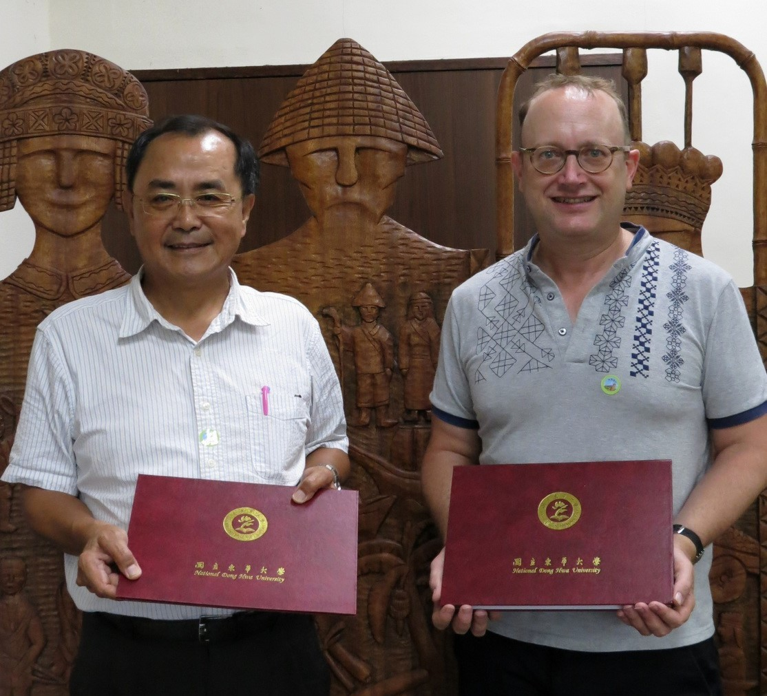 The College of Indigenous Studies signed an MOU with the University of Ottawa Faculty of Social Sciences